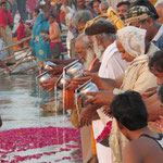 Inde, Pélerinage 2013 de la Kumbh Mela à Allahabad, bord du Gange