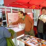 Oliver Machander und Rolf Stemmle beim Infostand 1. Mai
