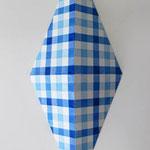 ダイアモンドチェック:ブルー/ブルー  アクリル、寒冷紗、MDFボード h. 30.5×w. 12.0×d. 6.0 cm