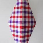 ダイアモンドチェック:レッド/パープル  アクリル、寒冷紗、MDFボード h. 30.5×w. 12.0×d. 6.0 cm