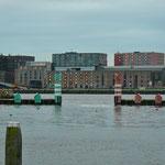 Die Hafen Ein- und Ausfahrt