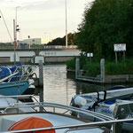 Die Hafen ein-und ausfahrt