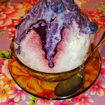 Shaved ice with berries
