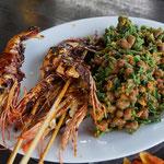Garnelenspieße gegrillt mit Gemüse, Bali