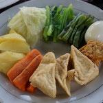 Gado Gado, gekochte Gemüse mit Erdnusssauce, Bali