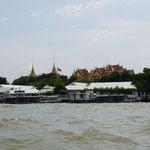 Boat trip around palace area