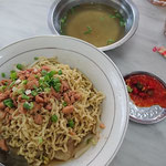 Miw Pansit, noodle with Wantan and pork