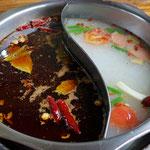 Sichuan Hot Pot, die eine Suppe scharf, die andere nicht scharf