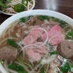 Vietnamesische Pho-Nudelsuppe
