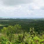 Blick von Bukit Masbait auf die Insel Kei Kecil (View from Bukit Masbait to the Kei Kecil island)