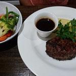 Steak mit Gemüse und Kartoffelpüree
