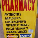 Sehr vertrauenswürdige Apotheke... (A very serious pharmacy...)