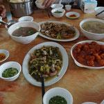 Muscheln, Schweine Süß-Sauer, Suppe, Schweine Darm