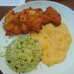 Fried chicken with corn mash and rice