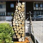 Stahl rostend - Holz - Chromstahl - Säule