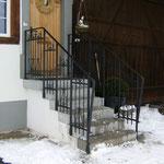 Treppengeländer mit alten Zaunteilen