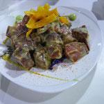 前菜のもうひとつは〝OX Tongue with Wasabi Sauce〟。サイコロ牛タンのワサビソース和え。絶品だわ。