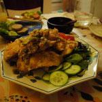 ご飯がすすみまくるチキンの味噌炒め。これ食べたら体力全快になる感じ。