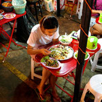 Rot Fai Ratchada Nachtmarkt Bangkok - Green-Mango Travel