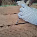 falegname restaura legno