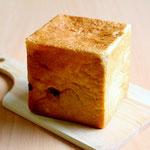 レーズンブレッド(レーズン入りの柔らかいパンです。トーストしてお召し上がりください)