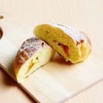 マンゴーパン (ドライマンゴーとマンゴーピューレを混ぜ込んだしっとりやわらかいおやつパン )