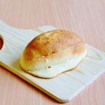 フレッシュ(菓子パン人気NO1!ほどよい甘さのバタークリームをサンド!しっとりやわらかいのでお子様にもオススメです)