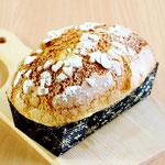 パンドリーナ (自家製天然酵母を使用し、オレンジピール入りのしっとり柔らかいやさしい味のパンです)
