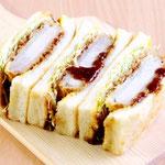 カツサンド(豚カツとたっぷりキャベツを食パンにサンドしたボリューム満点のサンドです! 軽くトーストしても美味!)