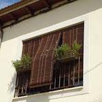 Uso en casas rurales de persiana alicantina o de cadenilla en PERSIATEC (Murcia)
