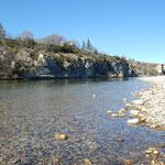 La rivière à 5 mn à pied du gite