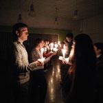 Kerst, in de donkerste dagen geven we dansend het licht door