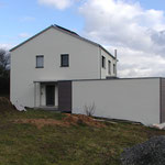 Plusenergie- /Passivhaus Gaibach - West-Ansicht