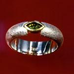 Ring / 925 Silber / 900 Gold / Savorith Navette facettiert