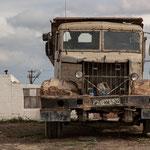Azerbaijan - Alter LKW auf dem Weg von Baku nach Quba