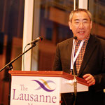 震災後の日本の報告をする金本悟氏  ( C) 2010 The Lausanne Movement, www.lausanne.org, All Rights Reserved.