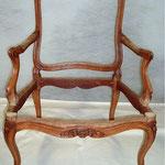 1° étape restauration traditionnelle fauteuil ancien