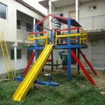 Im Innenhof passt eine Spielpark