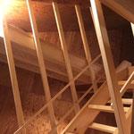 屋根裏部屋(寝室)への階段