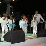 """Die """"Fiesta de los Mozos Famosos"""" wurde von einem Tanz der Schüler eröffnet."""