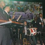 Getanzt wurde zu traditionell dominikanischer Musik
