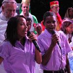 "Duett der Kinder zu dem Lied ""La Gloria de Dios"""