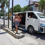 Preisfrage:Wie viele Leute passen in ein Guagua?..