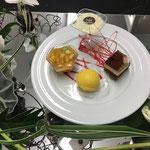 black & white, glace mangue, verrine chocolat blanc coco, salade de fruits