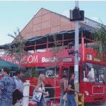 Sommer 2004 | Bitte Platz nehmen im Bench Bus.