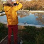 Jose buscando reflejos. Curso basico de fotografia Digital. Fotografia Andreu Gual