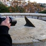 Federico en plena acción y concentración en las prácticas del Curso de Fotografía Digital. Tarragona, Foto: Andreu Gual