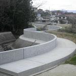 H28準用河川下の川堤防天端整備工事