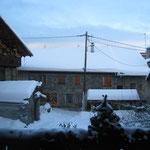 vue du balcon du chalet en hiver