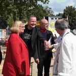 Bügermeister Lederer und Bürgermeisterin Schöttler mit Investor Bestgen